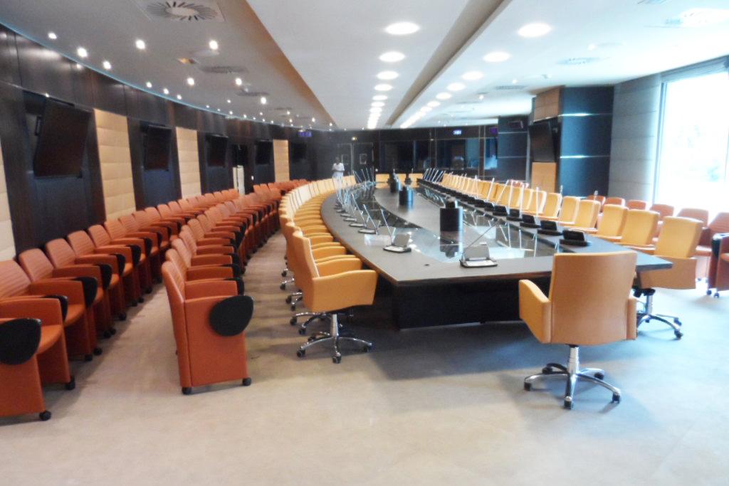Tavolo da riunioni, Contract e soluzioni per l'ufficio